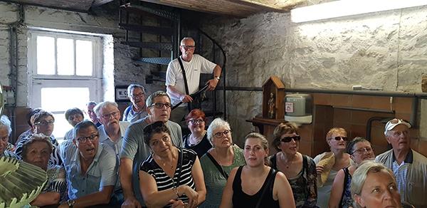Seniors et bénévoles en vadrouille
