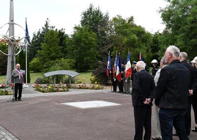 Cérémonie au Monument aux Morts et à la Paix
