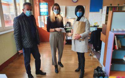 Don de masques aux écoles