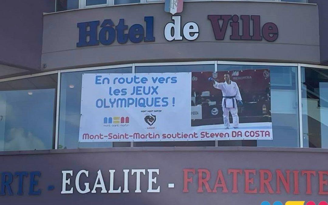 Steven Da Costa s'affiche sur le fronton de la mairie!